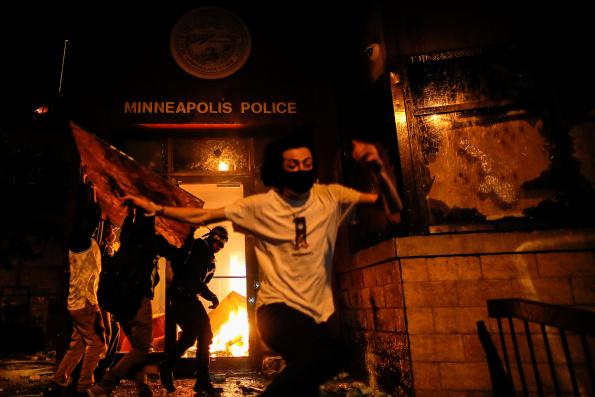 """El mundo en llamas"" Texto de Mumia Abu Jamal"