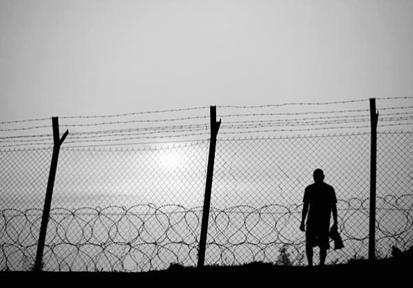 Texto: Por un mundo sin prisiones.