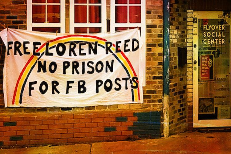 Activista indígena enfrenta cargos por 10 años debido a comentarios en Facebook: el caso de Loren Reed